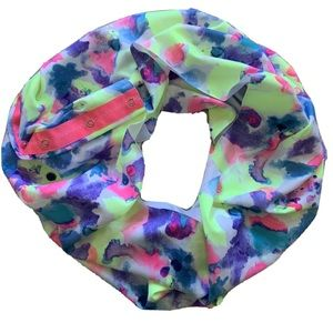 Ivivva by Lululemon infinity Snap Button Scarf